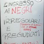 Cartello razzista in un bar a Padova