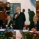 Fuori onda di Fini su Berlusconi. E se non fosse una gaffe?